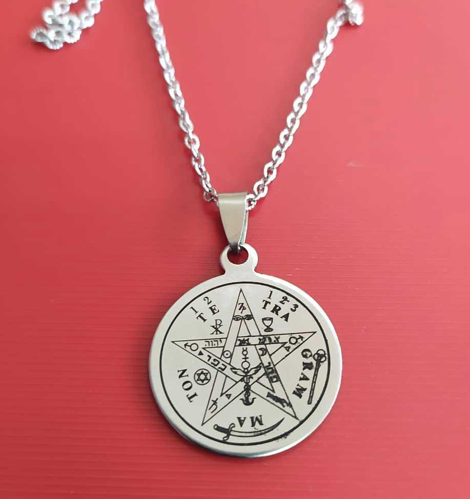 El pentagrama de cinco puntas no es satánico, es un símbolo de salud según Pitágoras
